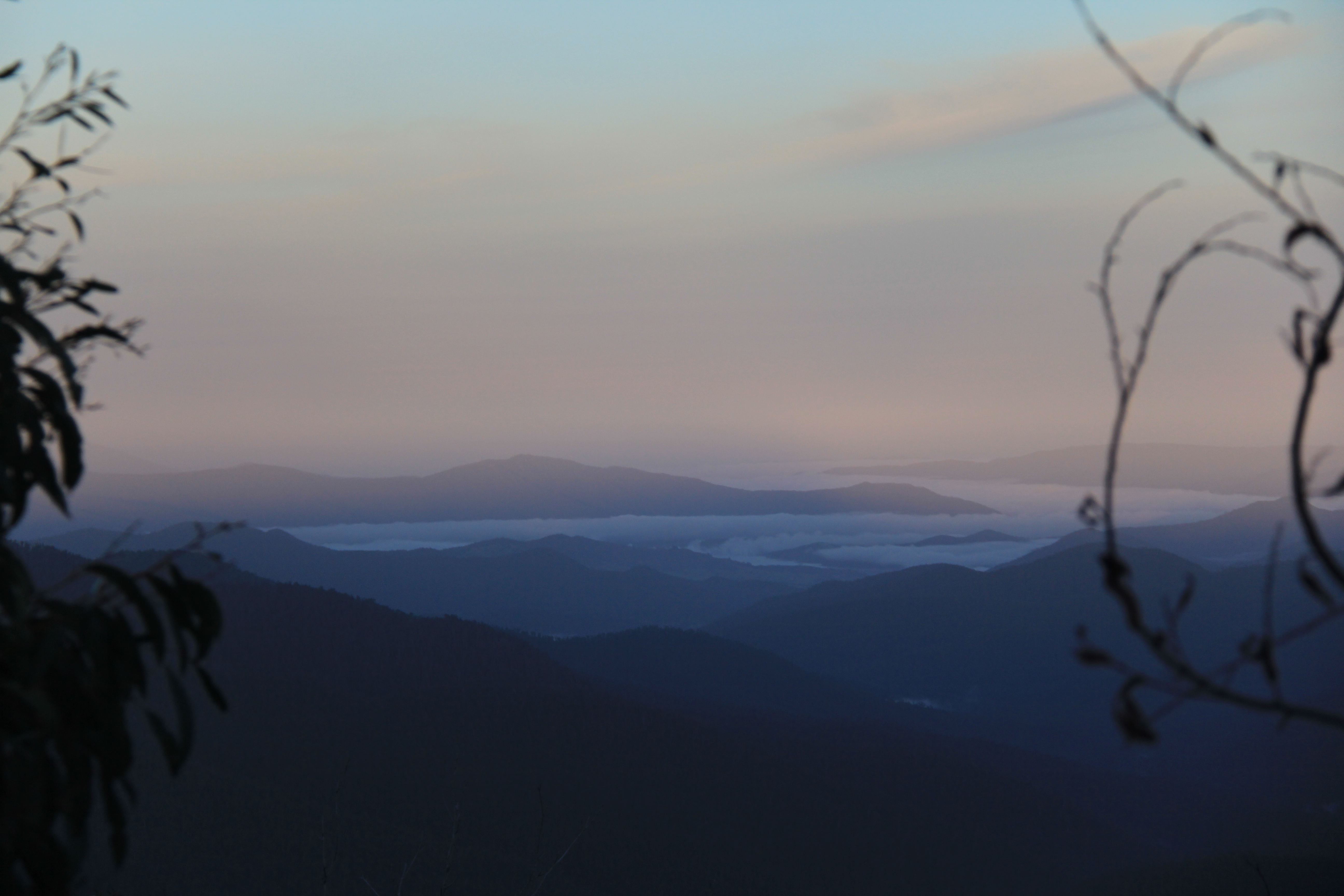 Eagle Peaks 22 - Early morning clouds over the valley and Lake Eildon
